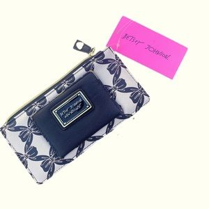 Betsy j wallet NWT